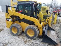 CAT 242D Right Front
